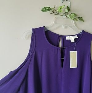 NWT. MICHAEL KORS Cold Shoulder Cut Out Detail.